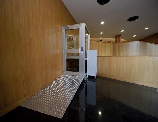 Mini ascensori per disabili piccolo vademecum cmalifts - Mini ascensori da interno ...