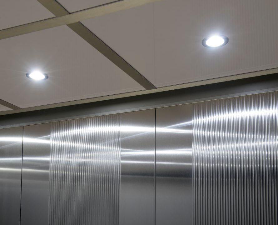 Normativa luci cabina ascensore