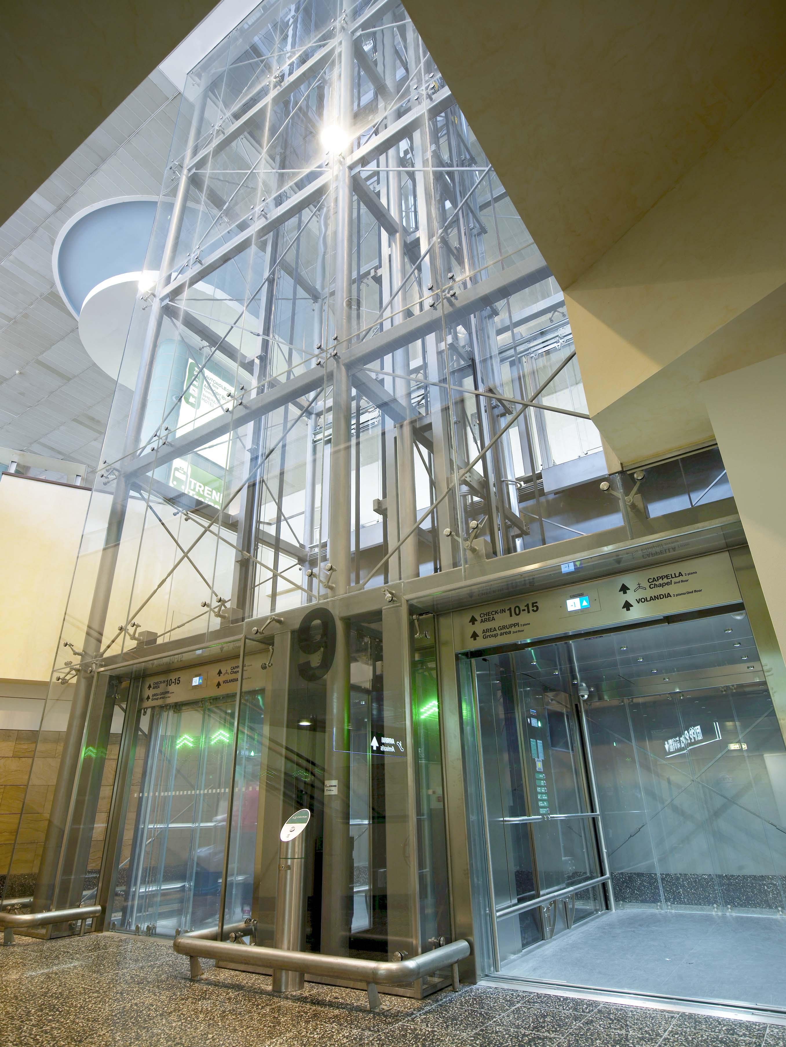 Montaggio cabina ascensore quanto pu costare cmalifts - Quanto costa un ascensore esterno ...